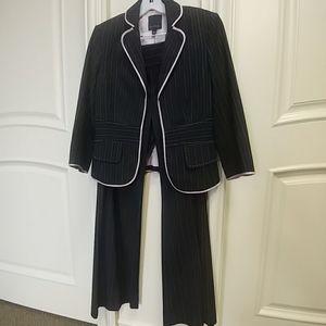 The Limited Aubrey Fit pin-stipe pant suit, Size 6